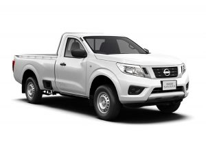 White Nissan Navara Visia